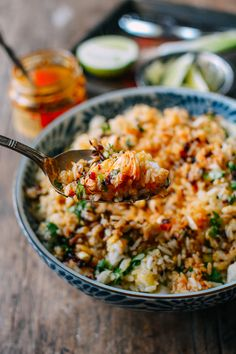 Make with quinoa Crab Fried Rice is a classic and much beloved Thai dish, characterized by its delicate flavors. The lump crab is really the star of the show in this recipe Crab Recipes, Rice Recipes, Asian Recipes, Dinner Recipes, Cooking Recipes, Ethnic Recipes, Cooking Tips, Potato Recipes, Healthy Thai Recipes