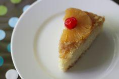 Pineapple Upside-Down Cake - Dulcedo  http://dulcedoblog.blogspot.com/2015/05/pineapple-upside-down-cake.html