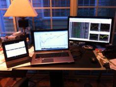 Ever wonder how top traders organize their home trading computers & workspace? Check out the amazing traders' workstation photos submitted by real traders! Trading Desk, Day Trading, Imac Setup, Travel Around The World, Around The Worlds, Teaching Courses, Office Setup, Education Center, Online Trading