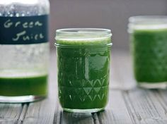 Organic ALKALINE Powerhouse! (makes over 1 quart/ 32 ounces)    1 large (unwaxed) Cucumber (English)  2 Limes peeled  1 cup Spinach  1 cup Parsley  1 Green Apple  6 ribs Celery  1 inch Fresh Ginger Root    If you drink a tonic like this DAILY, in 30 days you will notice a big difference in your skin, in your daily challenges with swollen fingers, hands and your digestion will improve. 90 days of juicing this way, the chronic inflammation you may be experiencing WILL significantly decrease.