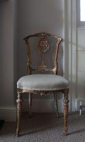 Dainty chair