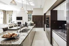 Modern Luxury Kitchens For A Grand Kitchen Grand Kitchen, Big Kitchen, Kitchen Sets, Kitchen Decor, Stone Kitchen, Home Design, Luxury Kitchen Design, Contemporary Kitchen Design, Contemporary Bedroom