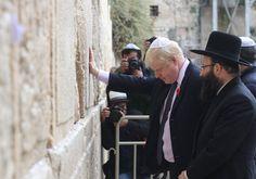 En el Muro de los Lamentos, el alcalde de Londres afirma su ascendencia judía