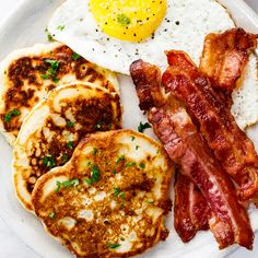 These simple Irish potato pancakes are the ultimate, easy breakfast recipe but will be an equally delicious appetizer served with sour cream. Irish Breakfast, Savory Breakfast, Breakfast Recipes, Breakfast Platter, Breakfast Dishes, Savoury Pancake Recipe, Savory Pancakes, Best Vegetarian Dishes, Irish Potatoes