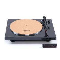This baby is currently in my online shopping cart. The one I currently have is loud and old (in a bad way). Can't wait to own it (post pandemic). Diy Lazy Susan, Automatic Turntable, Better Music, Studio Equipment, Dj Booth, High End Audio, Hifi Audio, Music Store