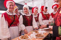 Waren het donderdag de buitenlandse gasten die een Nederlandse lekkernij te verorberen kregen, gedurende het gehele festival kunnen bezoekers ook de buitenlandse gerechten proeven.  Lees verder op onze website.
