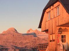 Sonnenaufgang am Krippenstein Monument Valley, Mount Everest, Mountains, Nature, Travel, Sunrise, Stones, Naturaleza, Viajes