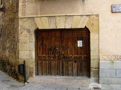 Old door, Segovia, Spain | Flickr: Intercambio de fotos