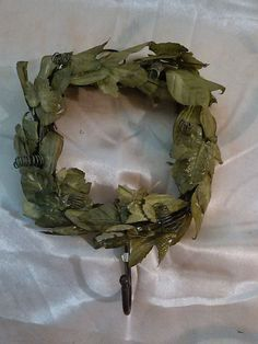 wreath decor indoor with jacket/key hooks FREE GIFT WHEN BUYIT NOW