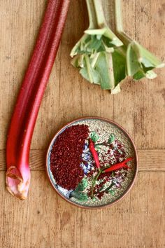 Mehr als nur junges Gemüse: Paprika-Rhabarber-Suppe - Cucina Piccina