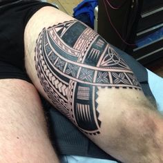 maori-tattoo-idea-coscia