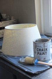 Lampenkap - kleur French Linen met Graphite - Home Decoration - Lamp Makeover, Furniture Makeover, Distressed Furniture, Painted Furniture, Decor Crafts, Diy Home Decor, Furniture Dolly, Annie Sloan Chalk Paint, Handmade Home