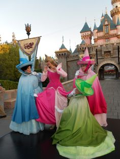 Aurora with Flora, Fauna, and Merryweather! Come to WDW!<--------um the castle is clearly Disneyland Disney Pixar, Walt Disney, Disney Nerd, Disney Girls, Disney Love, Disney Magic, Disney Cast, Disney Fairies, Disney Cosplay