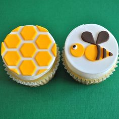 Honey Bee Honey Comb Cupcakes