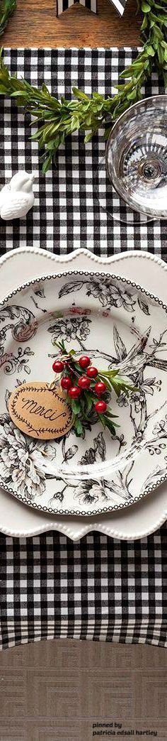 Red,Black & White place setting. Love the mix and match patterns! Christmas table, fall table