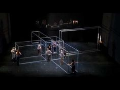 Eastman / Sidi Larbi Cherkaoui en Damien Jalet - BABEL (words) - YouTube Interessante trailer van een hedendaagse dansvoorstelling. Stukje met de robot/vogel als inspiratie gebruiken bij een les bewegingsexpressie waarbij de leerlingen in groep bewegen als 1 dier/monster.