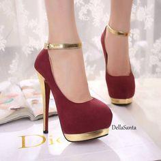 Lindo demais e uma combinação perfeito do vermelho com o dourado. Amo dourado!