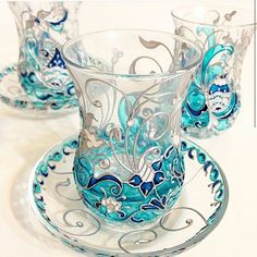 Handmade Glass Paint In beautiful color and unique design . Glass Bottle Crafts, Bottle Art, Glass Bottles, Wine Bottles, Glass Painting Designs, Paint Designs, Painted Glass Vases, Stained Glass Paint, Hand Painted Wine Glasses