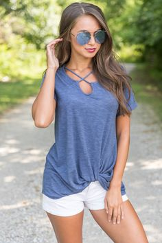 This gorgeous statement blouse is such an amazing choice for any day!