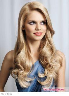 Cute curled hair!!!!! ~ariana