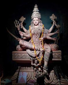 Durga maa grants peace of mind and heart & keeps loves one close and secure Indian Goddess, Mother Goddess, Goddess Lakshmi, Divine Goddess, Hindu Kunst, Arte Ganesha, Krishna, Navratri Puja, Durga Ji