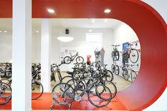 BIKELAND // specialized conceptstore // racetrack // looping - exhibition of specialized racing-bikes