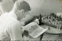 Bobby Fischer between rounds at Varna Olympiad, 1962