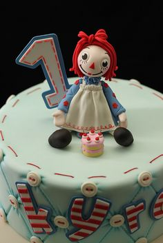 Raggedy Ann figure by Andrea's SweetCakes, via Flickr