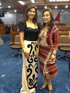 Sen Pia Cayetano and Sen Loren Legarda http://www.earthlingorgeous.com/2013/07/sona-2013-fashion-show-filipiniana-dresses-terno-patadyong-maria-clara-barong.html