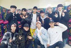 Stray Kids with Wooyoung from Vip Bigbang, Wattpad, Kpop, Lee Know, Lee Min Ho, Minho, Korean Boy Bands, Mixtape, Boy Groups