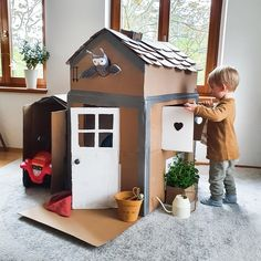 Infant Activities, Activities For Kids, Baby Play, Baby Kids, Cardboard Box Crafts, Cardboard Playhouse, Diy Toys, Diy Crafts For Kids, Games For Kids