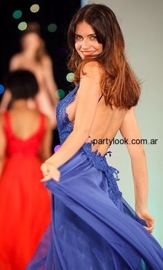 Vestidos de fiesta verano 2015 – Oscar Aguilera - vestido azul espalda descubierta