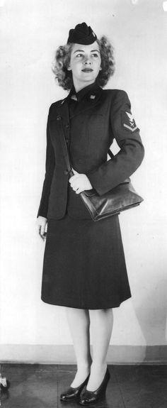 Coralee Burson Davis, 1944 - The Betty H. Carter Women Veterans Historical Project -UNCG University Archives