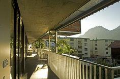 Südterrasse #architecture #terrace Architekt: ludin*plank*penz Innsbruck, Plank, Terrace, Building, Outdoor Decor, Home Decor, Small Condo, Real Estates, Architecture