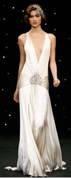 Jenny Packham 1920s style Sabine Dress via mylusciouslife.jpg I can't believe this is on here! One of my favorite wedding dresses ever!