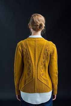 A gorgeous Celtic-influenced design by Norah Gaughan. Ravelry: Geiger pattern by Norah Gaughan by Amy Schuddeboom Brooklyn Tweed, Ravelry, Cable Knitting, Knit Crochet, Knitwear, Knitting Patterns, Vest, Knits, Heather Brown