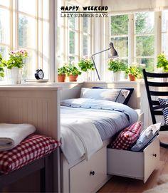 Mr. Bazaar's Perfect Summer Daybed Nook - Bright Bazaar by Will Taylor