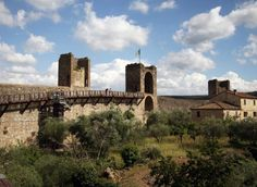 5 Reasons to Add Monteriggioni to Your Tuscan Vacation