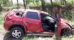 #News  Carro capota na MGC-410 e deixa condutora ferida em MG