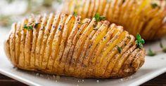 Quer preparar um prato com batata e não sabe como? Assar é um jeito fácil e rápido, o grande truque está em como temperá-la para ficar ainda melhor. Batata assada em espiral Ingredientes 4 unidades de batata Palito de churrasco 2 colheres de manteiga 2 colheres de alho triturado Pimenta