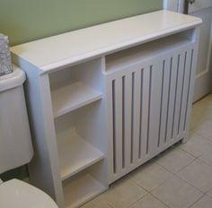 cache radiateur design en panneaux de bois transformé en meuble de rangement