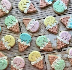 Life is better with ice cream! Easter Cookies, Birthday Cookies, Fun Cookies, How To Make Cookies, Sugar Cookies, Ice Cream Cupcakes, Ice Cream Cookies, Cookie Frosting, Royal Icing Cookies
