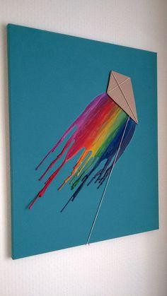 A fun DIY project for a sisterhood event! #Theta1870 #ThetaDIY | Kite Melted Wax Crayon Canvas Art