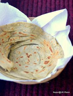 UK Rasoi : The art of making perfect Flaky Lachha Parathas.. Step by Step