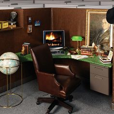 after seeing this pic..i've decided to redecorate my cubicle...this is a nice manly one