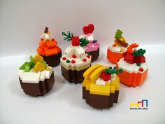 60 Lego Food Ideas – How to build it Cool Minecraft Houses, Lego Minecraft, Minecraft Skins, Minecraft Buildings, Lego Pizza, Lego Furniture, Minecraft Furniture, Bolo Lego, Lego Food