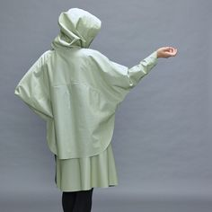 Tulipano women poncho jacket is the ideal designer jacket for women. High-quality manufacturing in colours green, grey, blue, black, silver or bronze. Weather Conditions, Fashion Women, Rain Jacket, Windbreaker, Jackets For Women, Normcore, Bright, Sun, Warm