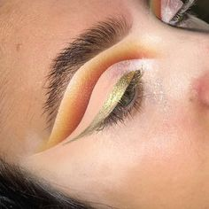 """12.5k Likes, 118 Comments - Plouise Makeup Academy (@plouise_makeup_academy) on Instagram: """"Cut crease We are currently experiencing a high volume of emails therefore please be aware it…"""""""