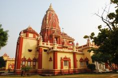 Birla Mandir (Birla Temple) refers to different #Hindu #temples or Mandirs built by the #Birla family, in different cities. All these temples are magnificently built, some of them in white marble or in sandstone. The temples are generally located in a prominent location, carefully designed to accommodate a large number of visitors. The #worship and #discourses are well organized. The first one was built in 1939 in Delhi collectively by Ghanshyamdas Birla and his brothers,