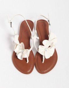 Δειτε τα ομορφοτερα νυφικα παπουτσια Σανδαλια flat στις παρακάτω φωτογραφίες και επιλέξτε τα δικά σας!!!!